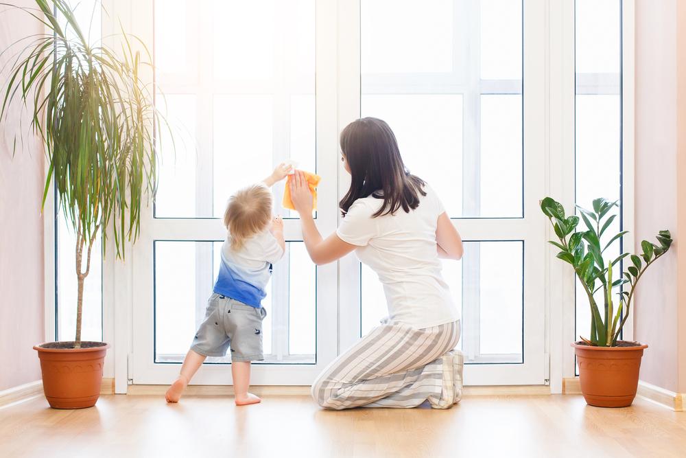 Tips voor een opgeruimd huis met kinderen: ga samen poetsen!