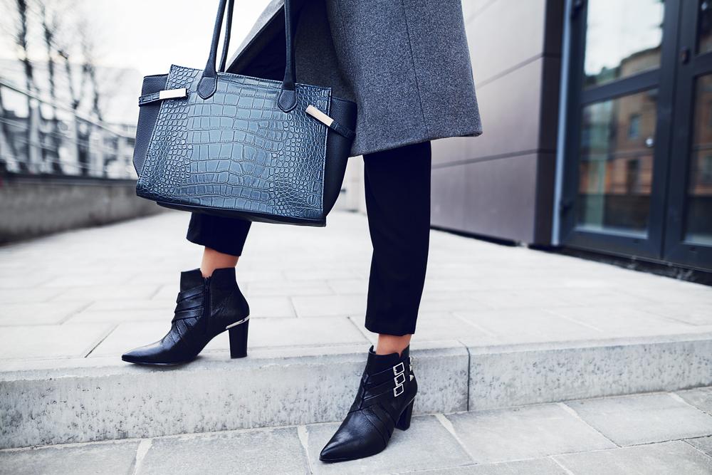 Wat heb jij in je zakelijke tas voor dames? Lees onze handige tips!