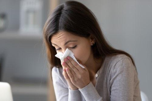 Blijf thuis bij verkoudheid